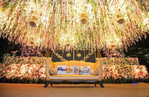 Stage Decor Ideas For Your 2018 Wedding