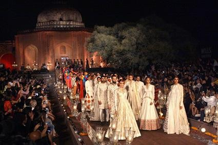 Off-site Locations are Beautiful for Fashion Shows - Designers like Tarun Tahiliani and Rohit Bal have used outdoor locations for fashion shows