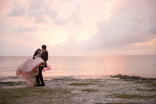 Bridal Lehengas and Sunsets | A Beautiful Bride in a Lehenga from Strand of Silk