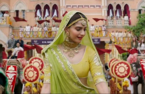 Sonam Kapoor Wearing A Green Lehenga   Stunning Summer Bridal Trends in India