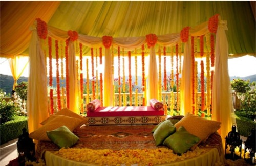 Summer wedding decor ideas we love indian wedding ideas indian indian fashion blog indian weddings summer wedding decor ideas we love indian wedding ideas junglespirit Gallery