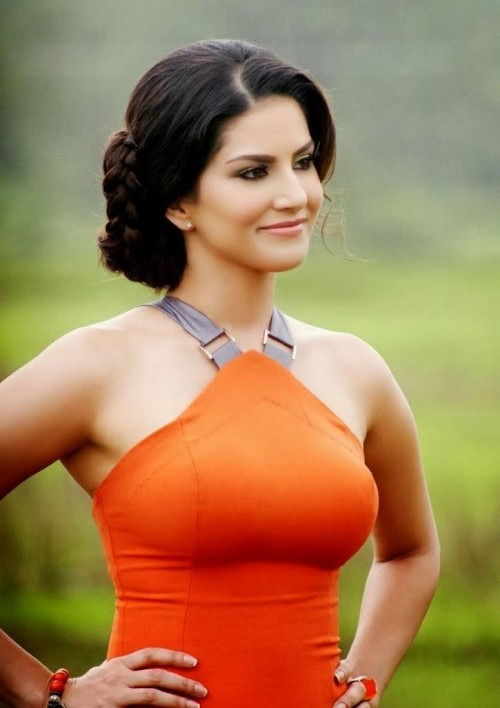 Bollywood actress Sunny Leone to Showstop for Indian Designer Jewellery brand Apala