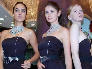 The growing use of foreign models in India Fashion Industry and Indian Fashion Shows