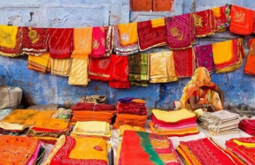 the-symbolism-of-indian-fabrics-strand-of-silk-culture-of-India
