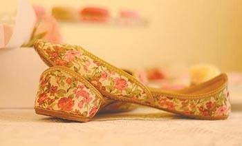 Traditional Juttis Become Bespoke | Floral Juttis