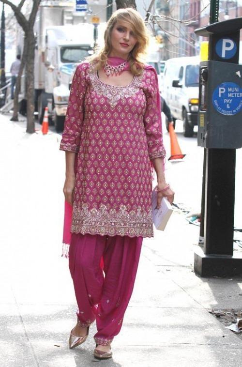 Uma thurman in an Indian Salwar Kameez Suit