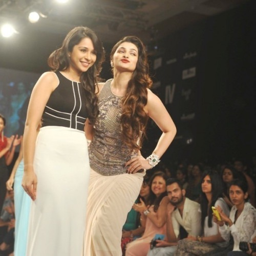 Sonaakshi Raaj's Broadway Inspired Collection for LFW - Indian Clothes