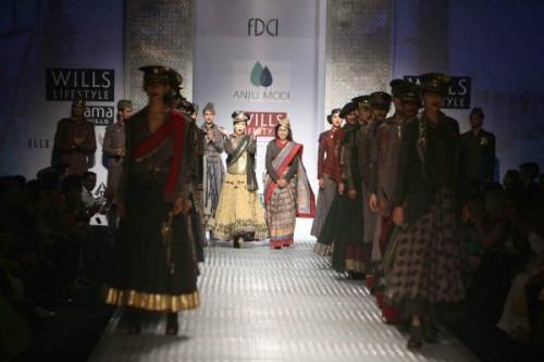 Fashion Shows Wills Lifestyle Fashion Week by Indian Fashion Designers