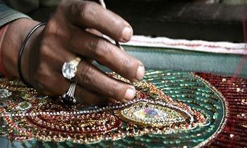 Zardosi Mania: Artist Mohammed Haji on the Job | Zardosi embroidery technique