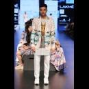 Aarti Vijay Gupta at Lakme Fashion Week AW16 - Look 3