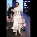 Aarti Vijay Gupta at Lakme Fashion Week AW16 - Look 5