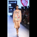 Armaan Aiman by Aiman Agha and Armaan Randhawa at Lakme Fashion Week AW16 - Look 12