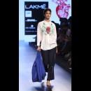Armaan Aiman by Aiman Agha and Armaan Randhawa at Lakme Fashion Week AW16 - Look 8