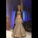 JJ Valaya  at India bridal fashion week AW15 - Look12