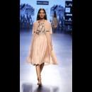 Sneha Arora at Lakme Fashion Week AW16 - Look 7