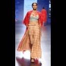 Swati Vijaivargie at Lakme Fashion Week AW16 - Look 2