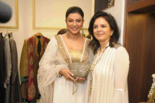 Designer of Accessories and Evening Bags from India - Malini Agarwalla