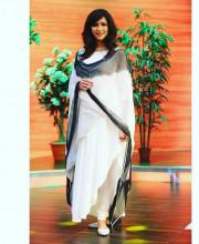 Lakshmi Manchu wearing Mandira Wirk for Memu Saitham