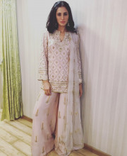 Nargis Fakhri for Banjo promotions at the Voice India wearing Payal Singhal and Curio Cottage jewellery