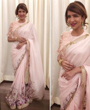 Lakshmi Manchu in an outfit by Ridhi Mehra and jewellery by Amrapali for the South Scope Lifestyle Awards