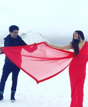 Anushka Sharma Looks Beautiful as the Lady in Red