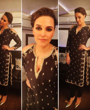 Neha Dhupia wearing Payal Singhal on Comedy Nights to promote Moh Maya Money