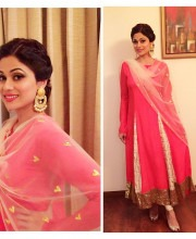 Shamita Shetty Wears Pink Masaba Gupta Made Salwar