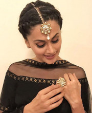 Tapsee Pannu in jewellery by Tarun Tahiliani