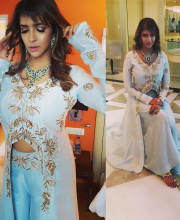 Lakshmi Manchu wearing Shilpa Reddy as a chief guest for the first anniversary of Vasundara Exotic Jewelery's Vijaywada store