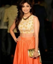 Shilpa shetty in Neeta Lulla outfit at Lakme Fashion Show