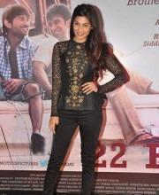 Indian model Puja Gupta Indian Fashion Designer Neeta Lulla Kai Po Che Premiere