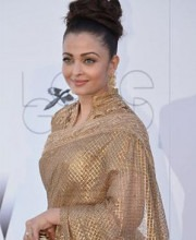 Bollywood Celebrity Aishwarya Rai Bachchan in Indian Designer Tarun Tahiliani