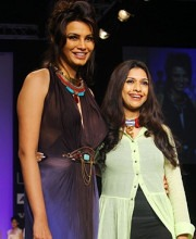 Diana Hayden Walks The Ramp For Indian fashion designer Sounia Gohil