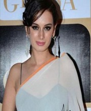 Evelyn Sharma Showcases Satya Paul Saree
