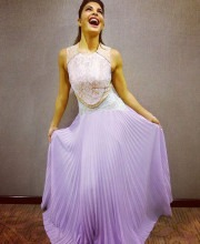 Indian Fashion News-Jacqueline Fernandez Looks Delightful in Lilac Dress