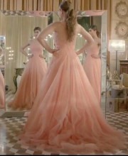 Kareena Kapoo in a Beautiful Peach Dress for Manish Malhotra at Lakme Fashion Week - Backstage Picture