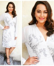 Sonakshi Sinha Brings her A-Game for Force 2 Trailer Launch