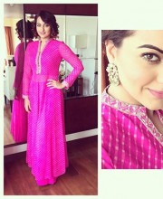 Sonakshi Sinha Spotted in Anita Dongre while Promoting Tevar | Sonakshi Sinha wearing a Hot Pink Anita Dongre Suit
