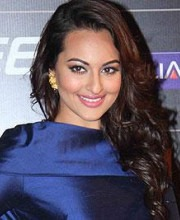 Sonakshi Sinha always looks fabulous in Indian designer fashion