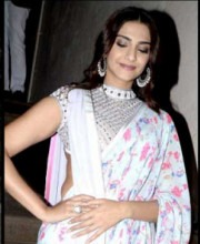 Sonam Kapoor Wearing Abu Jani Sandeep Khosla | The Eternal Style Diva