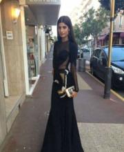 Indian celebrity Erika Packard carrying a bag by Indian Designer Pinky Saraf