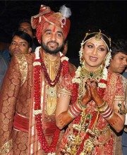 Shilpa Shetty wears a Saree by Tarun Tahiliani for her Wedding