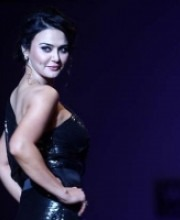 Preity Zinta on the Ramp at WIFW for Indian Designer Surily Goel